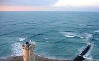 Маяк Phare des Baleines, Франция. Удивительный эффект волн
